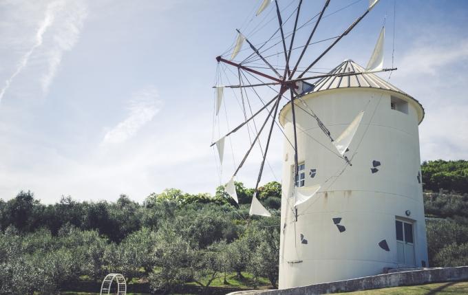 小豆島オリーブ園のギリシャ風車